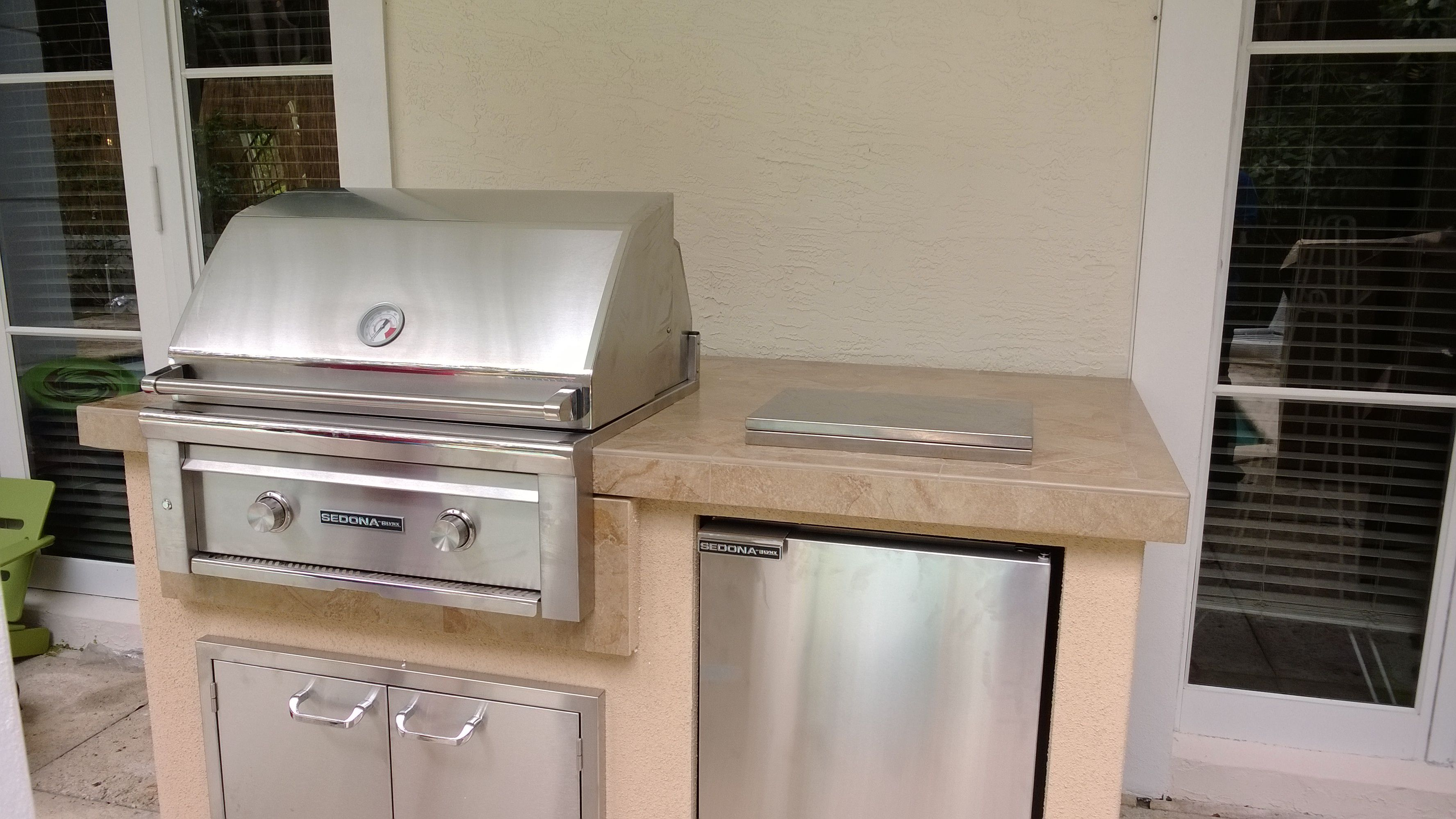 Lynx Sedona Barbecue Grill Island Installed In Miami Beach Grill Island Double Wall Oven Barbecue Grill