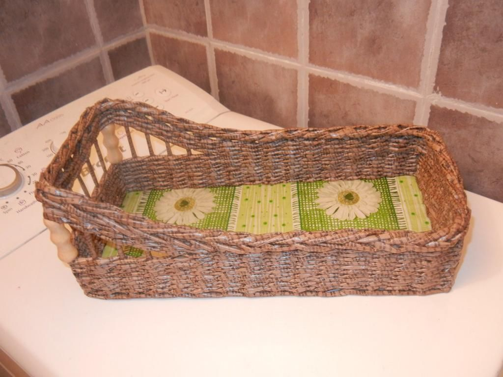http://www.pinterest.com/mazas23/baskets/ http://www.pinterest.com/tamarita85/cesteria-con-papel-periodico/ http://www.pinterest.com/anchesennamon/newspapers-baskets/  http://elen-nikitin.blogspot.ru/  http://isskowyswiat.blogspot.it/  http://www.pinterest.com/eslom53/ninos-i-complements/ http://www.pinterest.com/pin/567101778049025027/ http://www.pinterest.com/valiver/braids-with-newspaper-and-cardboard/