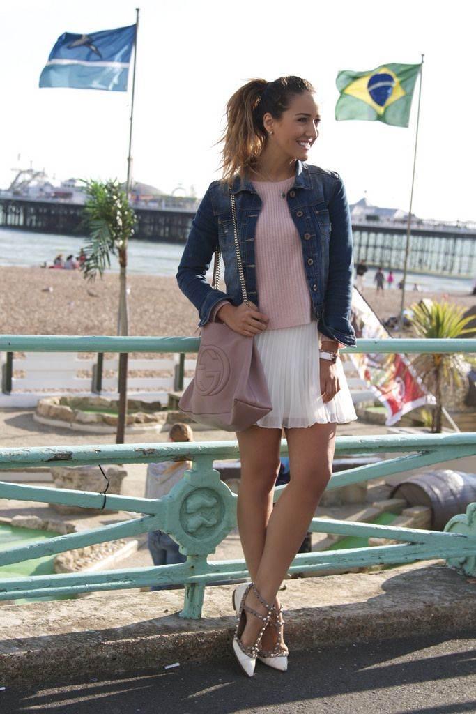 6076e35e9111 What to Wear With Pleated Skirts That Will Make It Look Dainty and ...