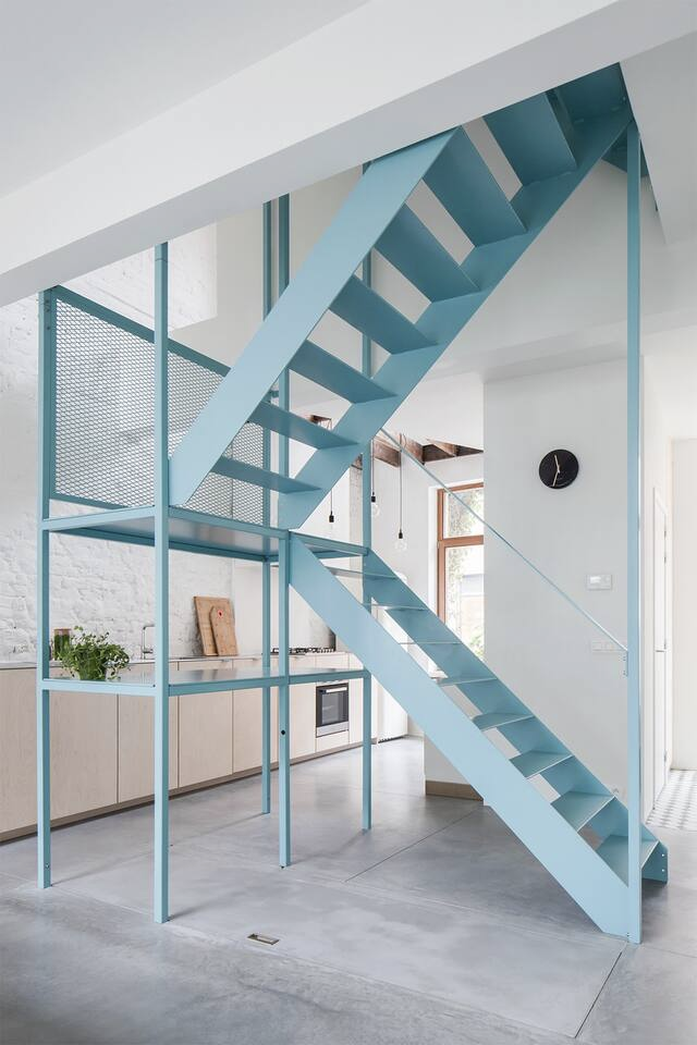COLLECTION_ Belgian getaways - au pays des merveilles blue metal stairs aqua architecture tim rogge kitchen concrete floors #kitchencollection
