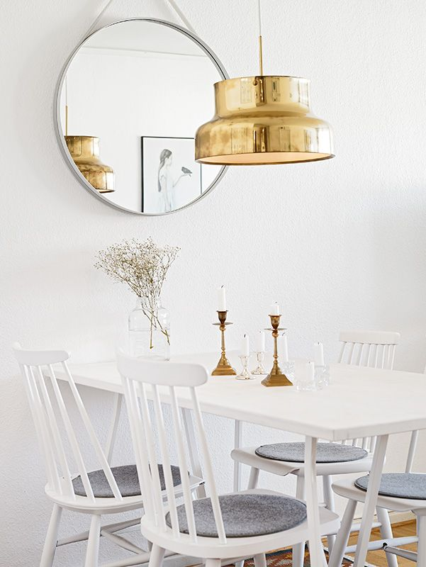 Interior Spotlight One Bedroom Apartment In Johanneberg Sweden By Luminarynotes Com Scandanavian Interio White Dining Room Dining Room Inspiration Interior