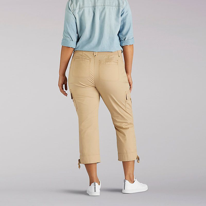 c8906697b7aa Lee Women s Relaxed Fit Nikki Cargo Capri Pants - Plus (Size 22W x M ...