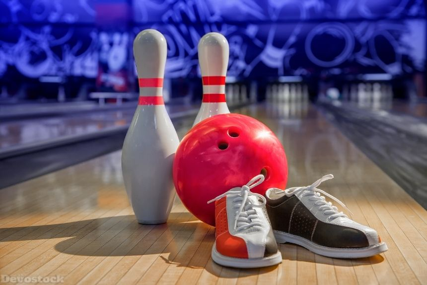 Bowling Shoes Bowling Pins And Ball For Play In Bowling Bowling Bowling Shoes Bowling Pictures
