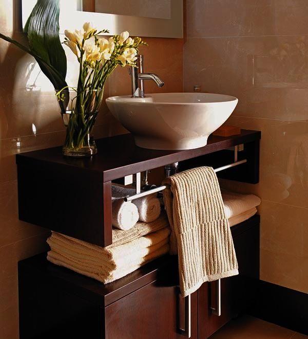 Ocho lavabos para baños pequeños Small bathroom, Toilet and Bath
