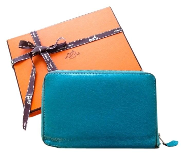 This Hermes AZAP Combined wallet is simply divine.