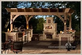 Anderson's Masonry Hearth and Home's brick pizza ovens are available in bundled kits for custom designs or modular and mobile units for smaller installations. From compact urban spaces to expansive backyards, there's a Belgard Brick Oven product to fit your needs.