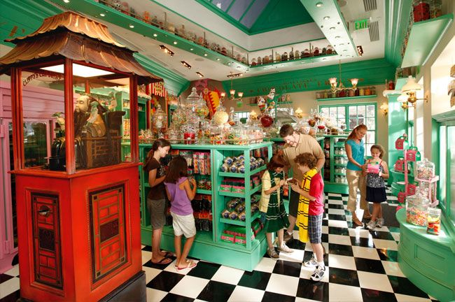The wizarding world of harry potter universal orlando resort honeydukes
