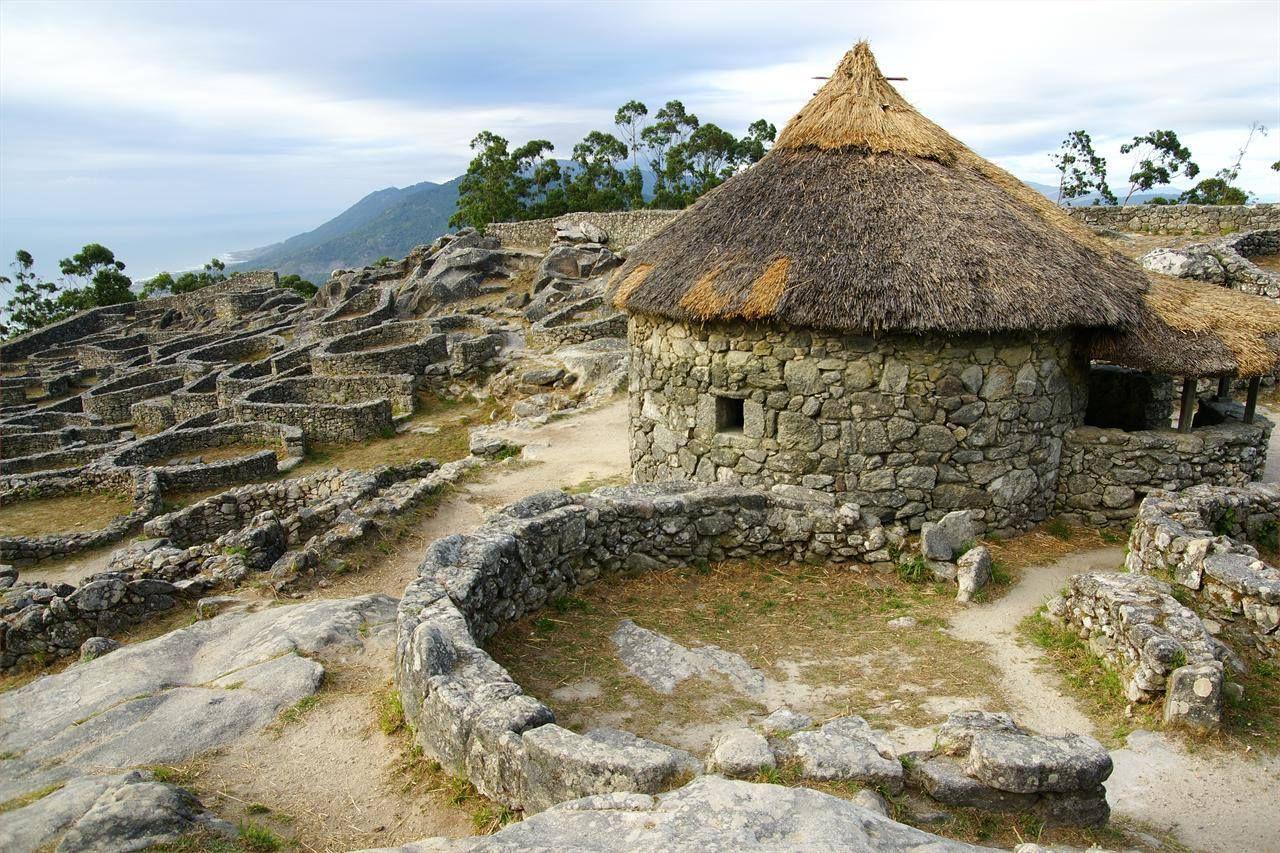 Castros Celtas Santa Tecla - La Guardia | Lugares encantados, Vigo españa,  Castillos abandonados