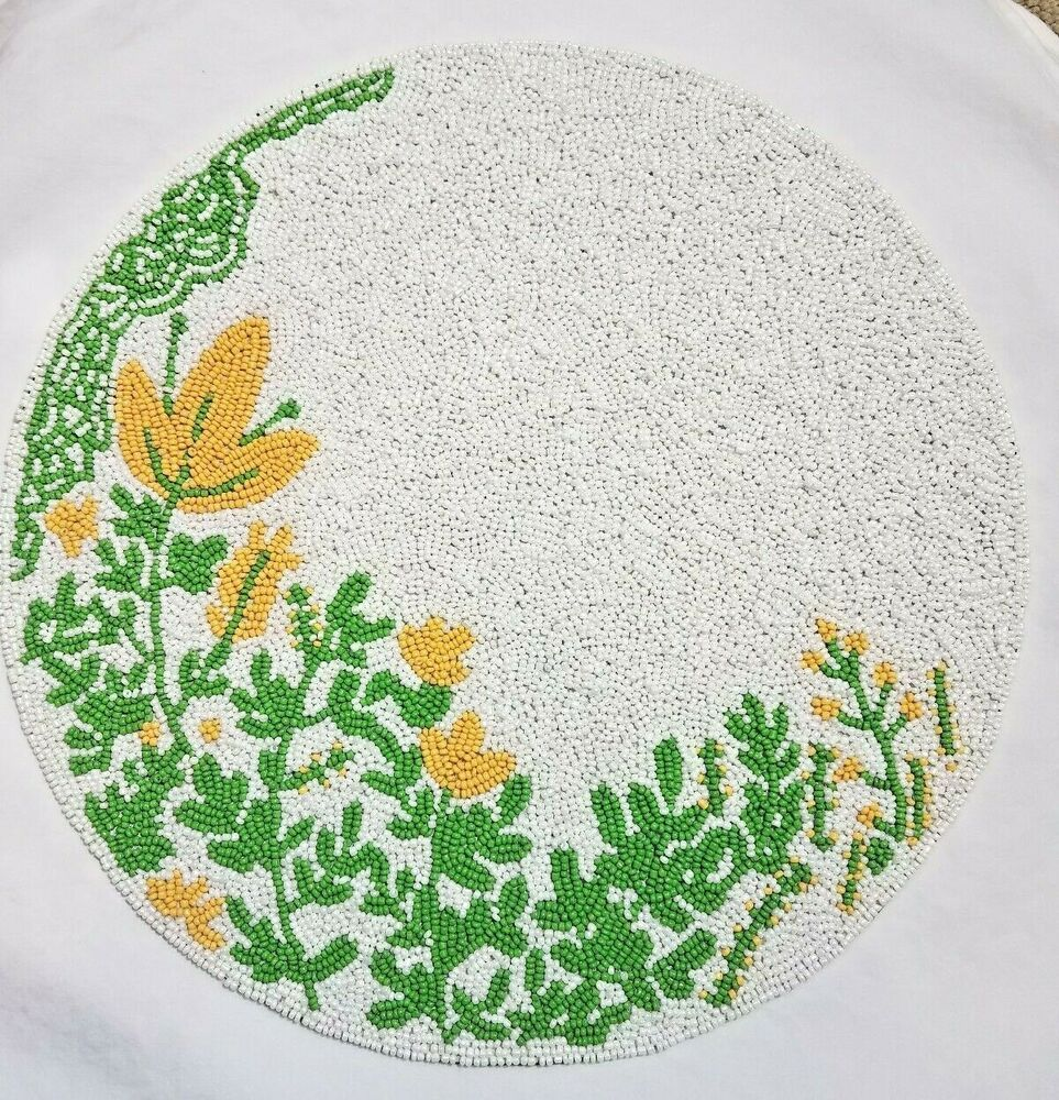 Secret Celebrity 15 Round Beaded Placemat Decor Yellow Flowers Green White Nwt Ebay Yellow Flowers Placemats Round Beads