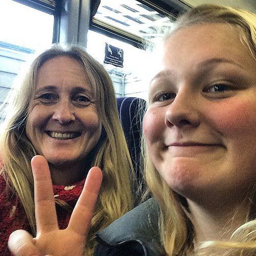 https://flic.kr/p/rJWkgF | 3rd  and last train trip of the day - almost ti the boys :) #upsticksandgo #traintravel #train #travellingtheworld #michfrost #leeds #uk #motherdaughtertime