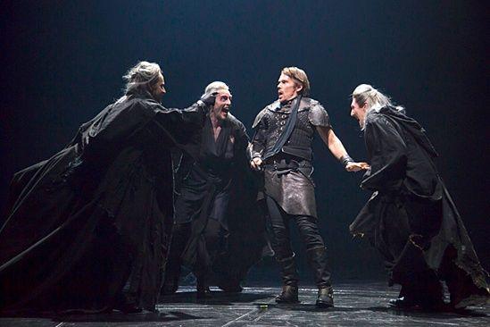 Photo 8 of 13 | Ethan Hawke as Macbeth & Anne-Marie Duff as Lady Macbeth in Macbeth | Macbeth: Show Photos | Broadway.com