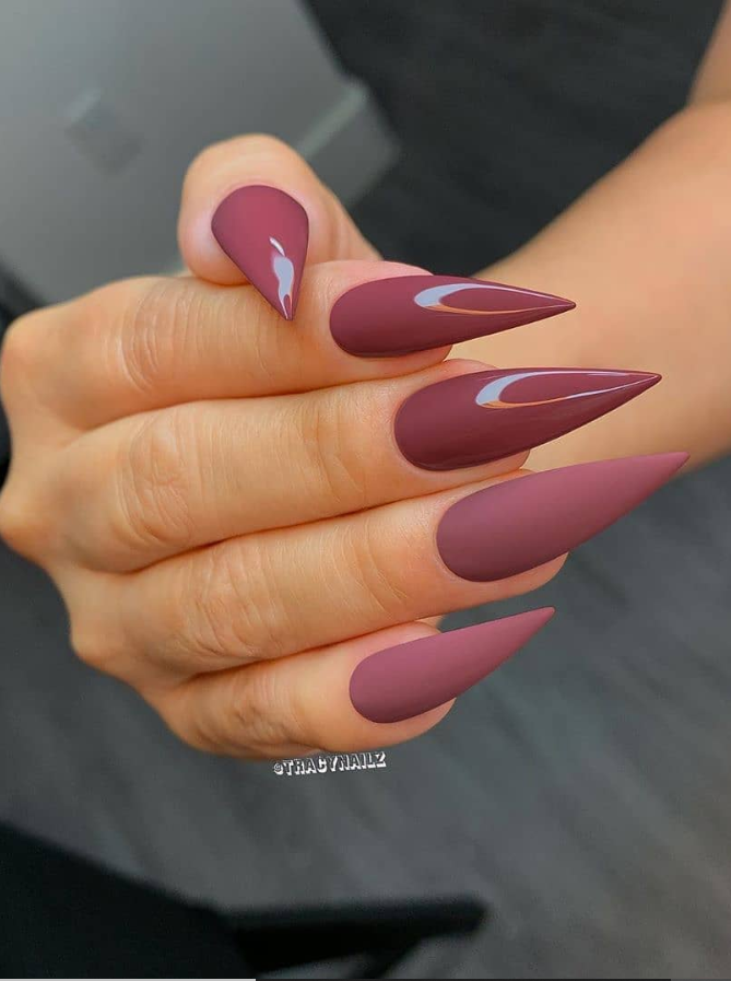 45 Aesthetic Stiletto Nails For Fall Acrylic Long Nails Design Wedding Acrylic Nails Long Nail Designs Homecoming Nails