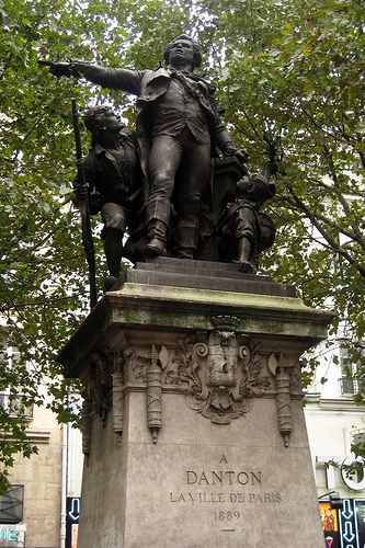 Paris - St-Germain-des-Prés: La statue de Danton