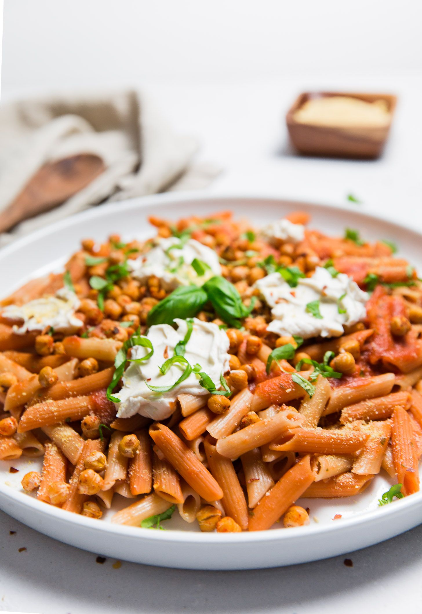 easy basil pasta sauce topped with roasted chickpeas recipe basil pasta sauce roasted on hebbar s kitchen white sauce pasta id=33208
