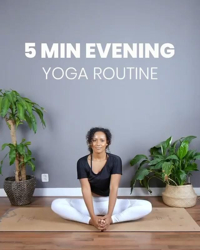 5 Minute Evening Yoga Flow // by Own Your Glow