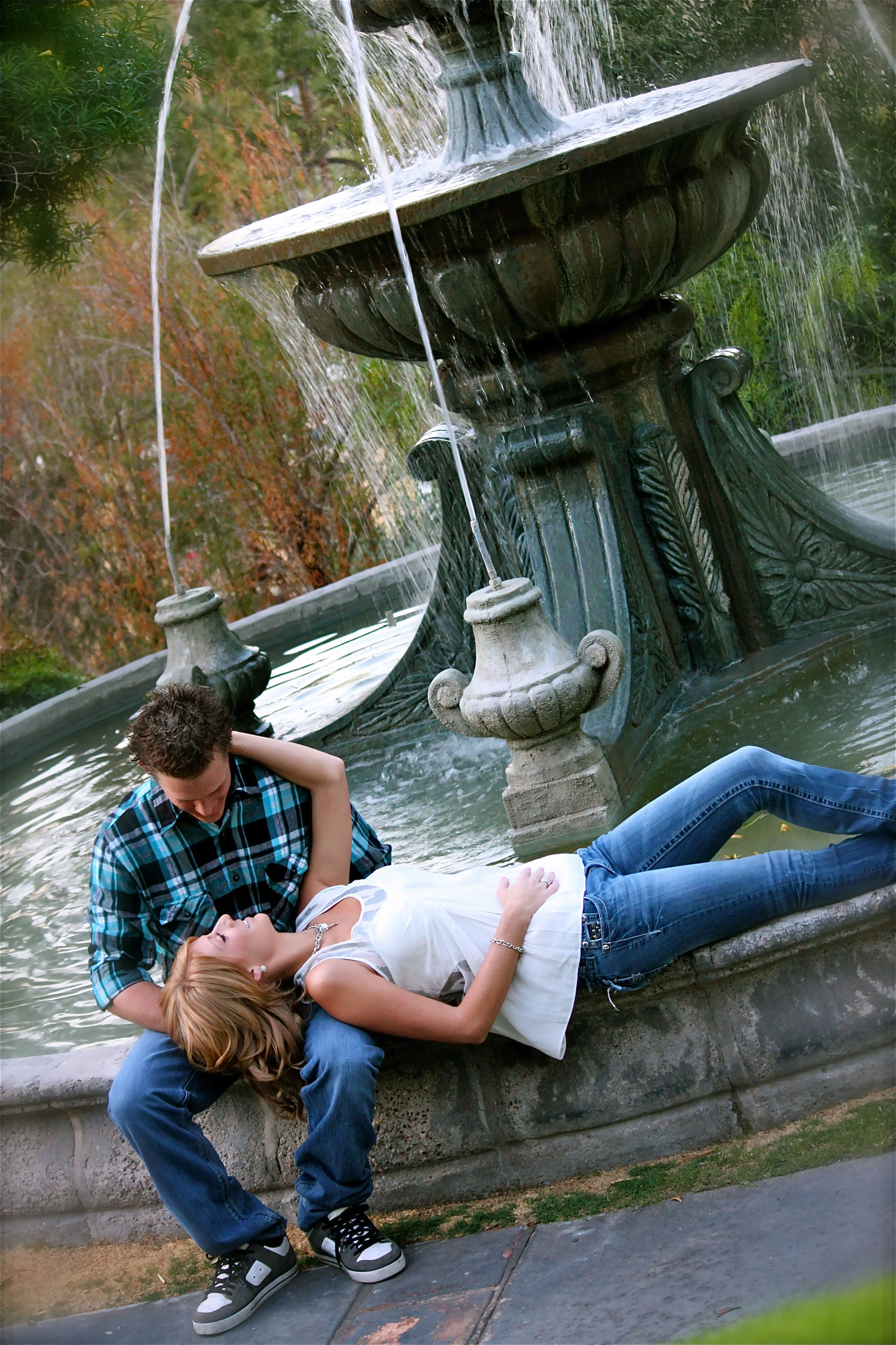 Engagement- photo ideas the mission has a great fountain
