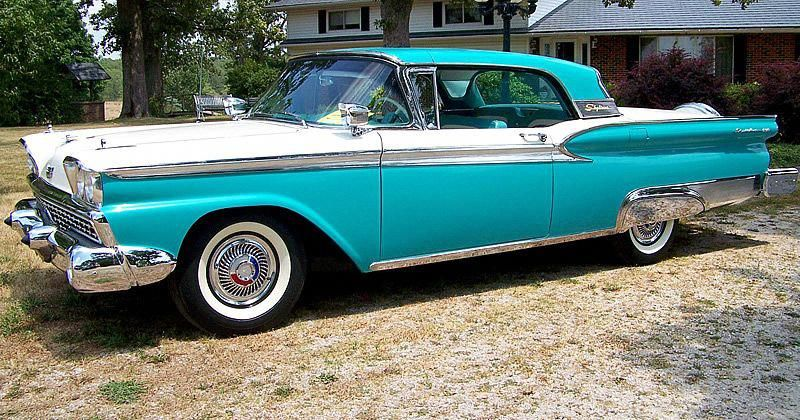 1959 Ford Galaxie Skyliner #fordvintagecars (With images ...