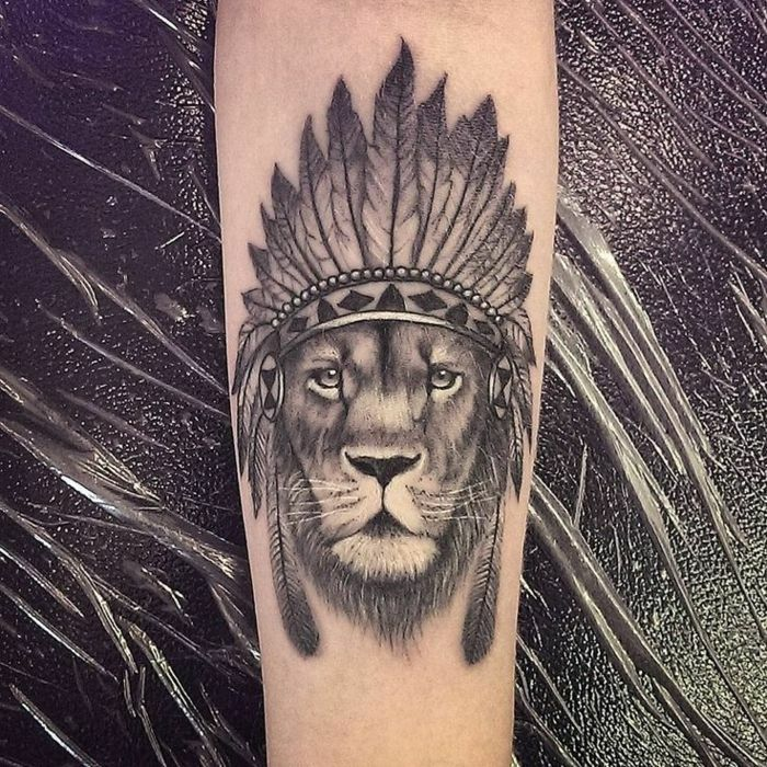 Image Tatouages Lion Bras Ou Epaule Tatouage Signe Lion Tribal Lion