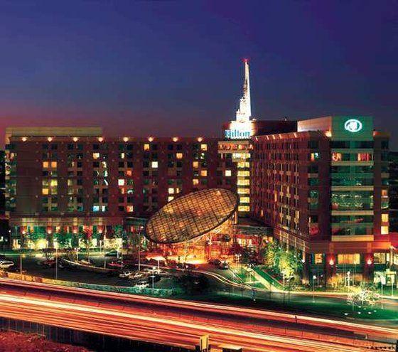 Hilton Boston Logan Airport Hotel In Boston Ma Hipmunk Boston Hotels Visiting Boston Last Minute Hotel Deals