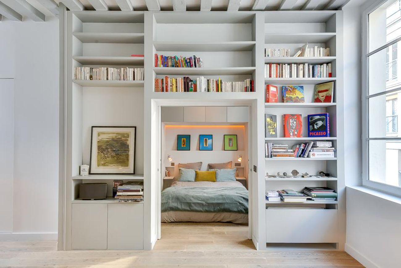 15 Trucchi Per Una Stanza Piu Grande 15 Trucchi Per Far Sembrare Piu Grande Una Stanza Foto Design Scaffali Design Appartamenti Interior Design Per Appartamenti
