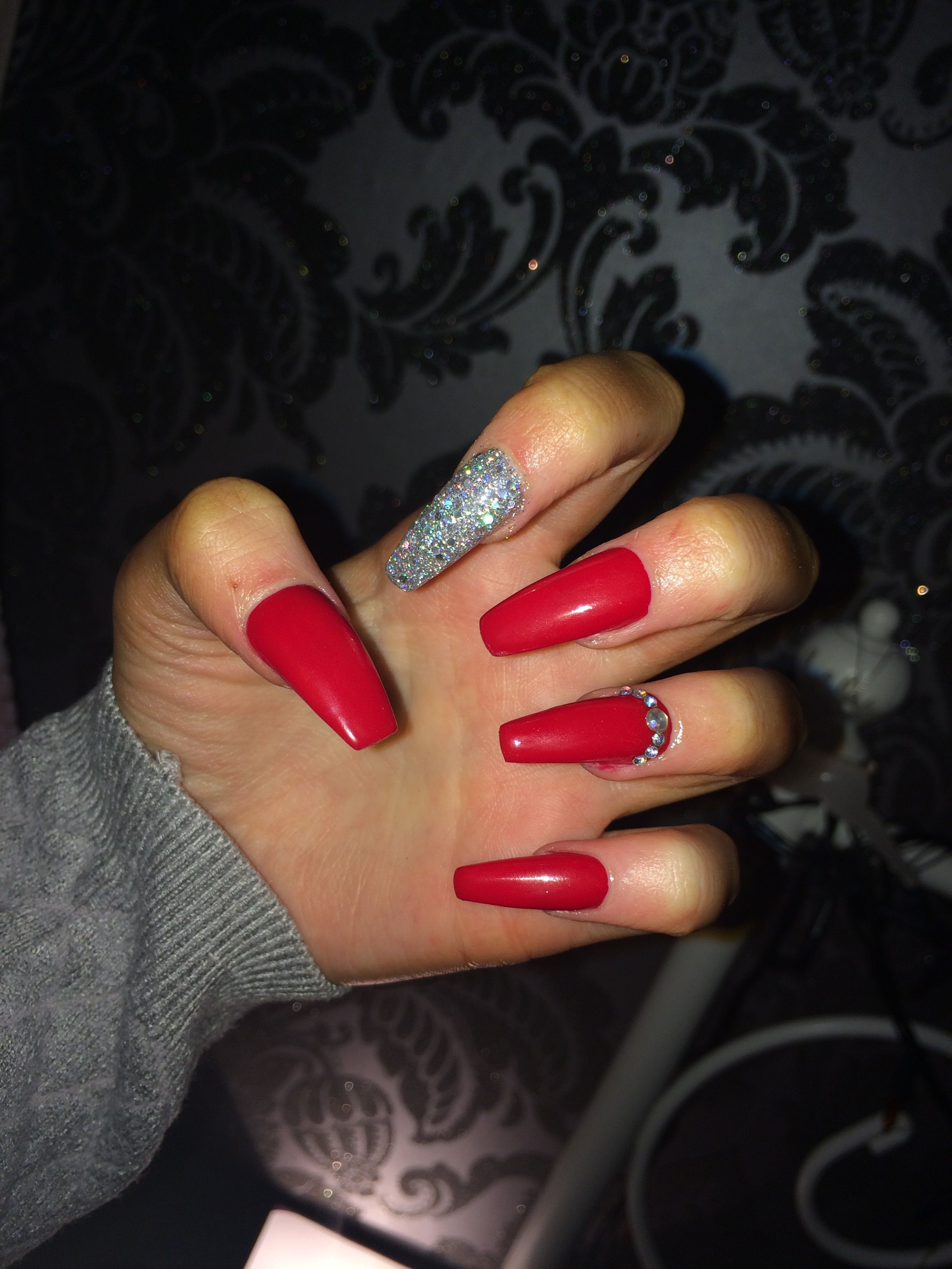 Christmassy Acrylicnails Red Red Acrylic Nails Red Nails Glitter Silver Acrylic Nails