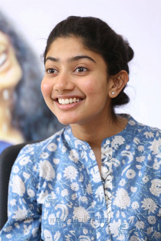 Smiling Pallavi  Indian Actresses, Beautiful Indian