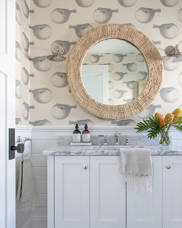 Because You Know We Love A Good Wallpaper In A Bathroom This Blowfish Printed Grasscloth Was Just Perfec Beach House Bathroom Beachy Decor Beach Cottage Decor