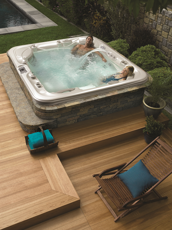 Love the clean simplicity of this hot tub deck and smooth wood ...