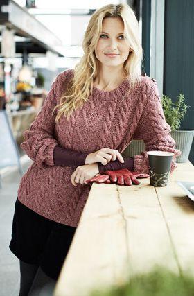 1a713d88 Gratis strikkeopskrift, strikket sweater i fletmønster, strikket i smuk  rosa med fine detaljer
