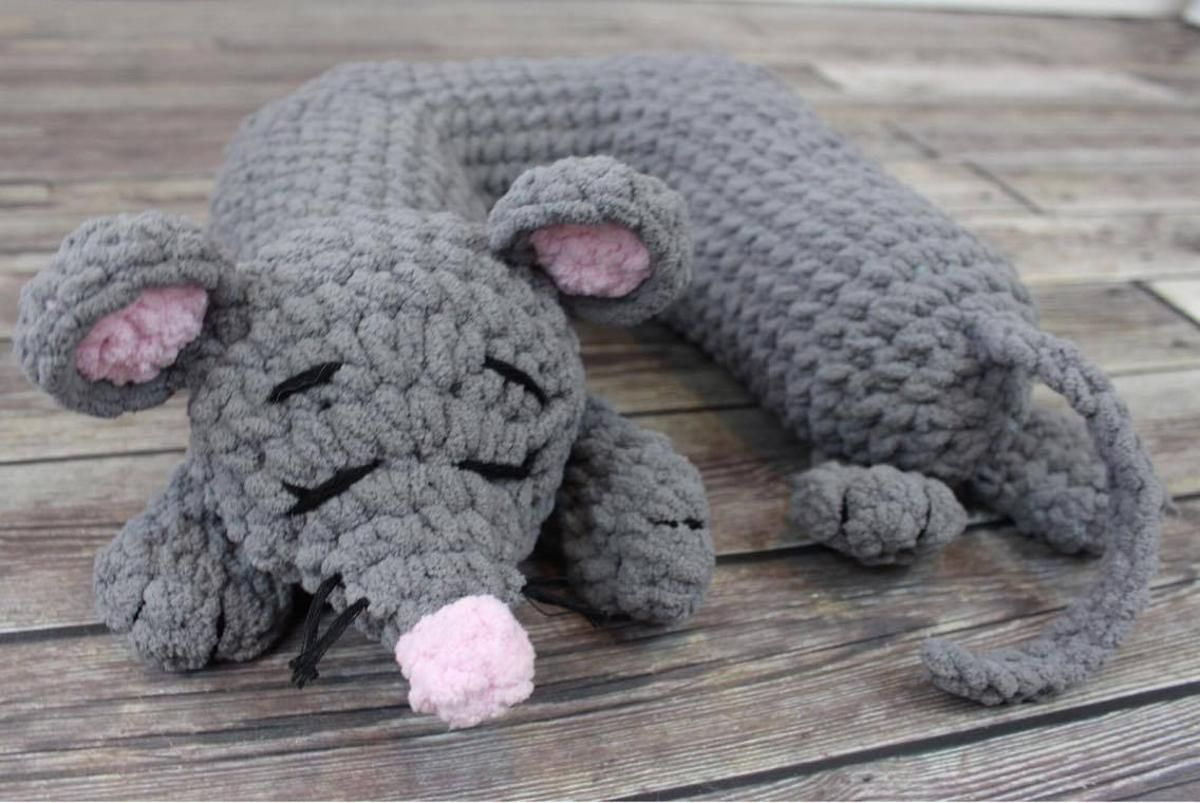 Travel Pillow: Mouse Add-On Crochet pattern! Using #bernat ...
