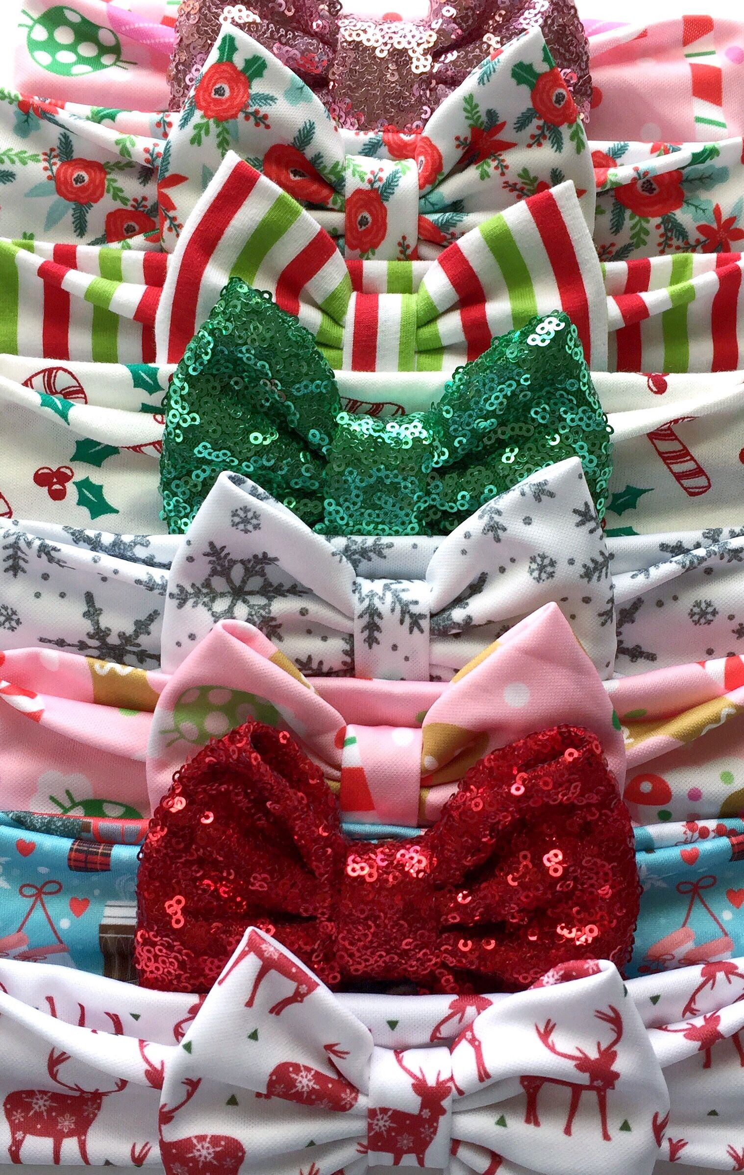 Shop the new holiday collection at www.sassybowco.com so many adorable holiday headbands and bows!