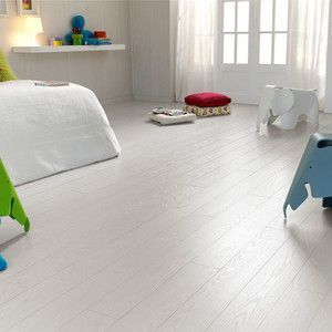 Pure White Laminate Flooring Ac4 Finsa Fiesta Alba Oak Laminate Flooring 7mm White Floors 5 Boxe White Laminate Flooring Oak Laminate Flooring White Laminate