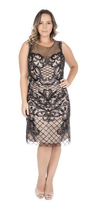 4db7b2124 Vestido Festa Plus Size · Vestido curto com tule bordado com pedrarias e  paetê. O bordado preto contrasta com o