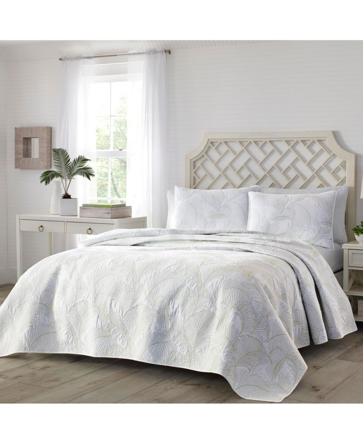Tommy Bahama Paradise Fronds Full/Queen Quilt Pastel