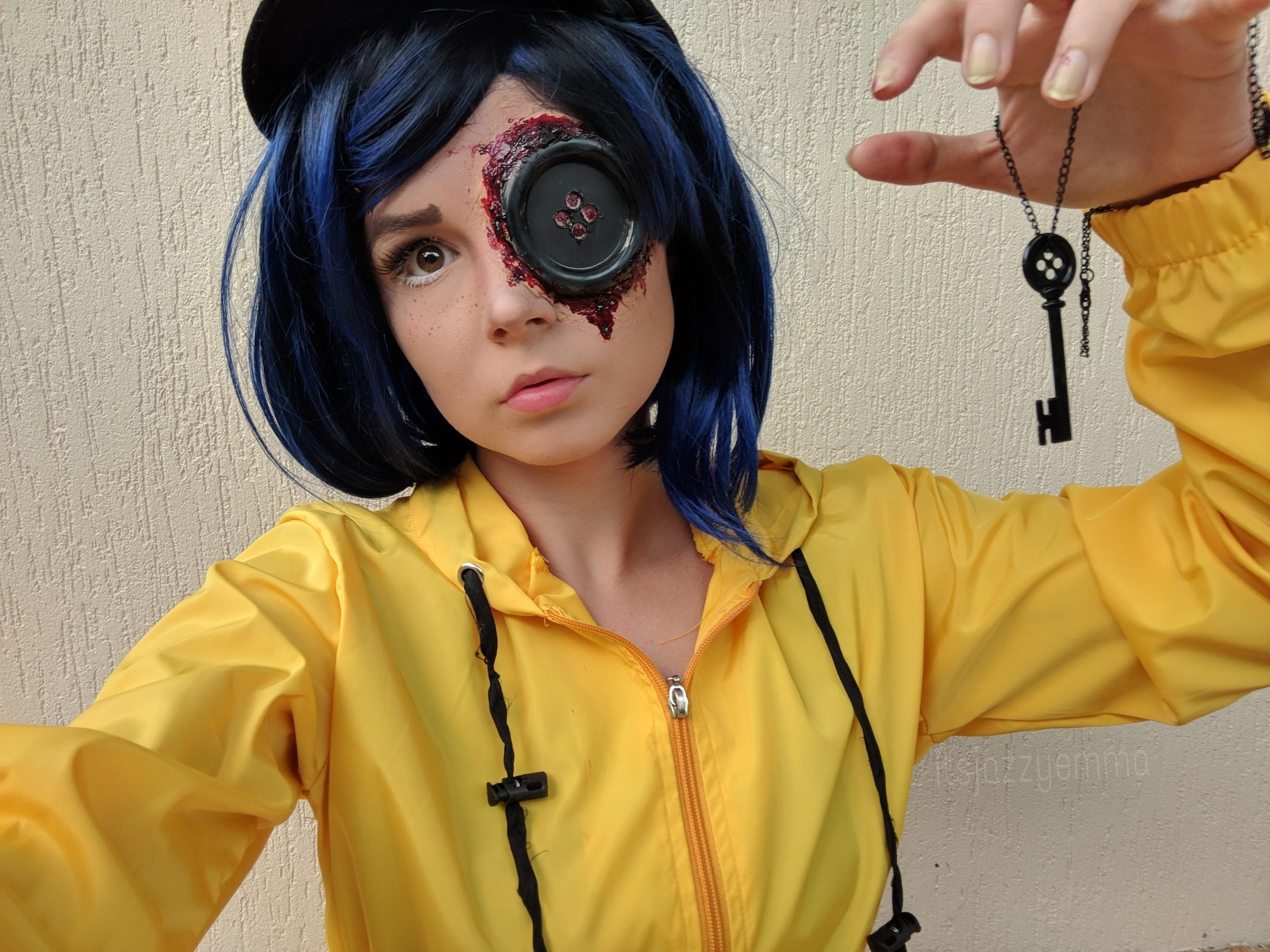 Self Oh My Twitchy Witchy Girl My Coraline Cosplay All Self Done Sfx And Makeup Coraline Halloween Costume Scary Halloween Costumes Coraline Costume