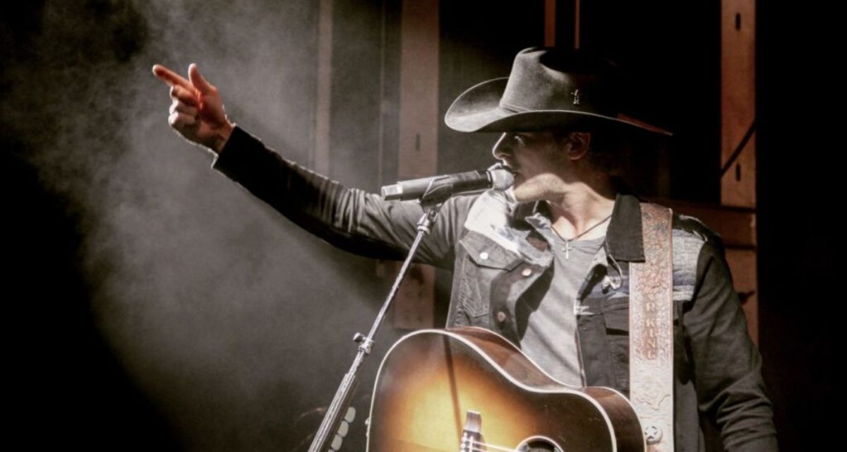 Drawing Inspiration From Country Legends Such As George Strait And Merle Haggard Meet Red Dirt Country Artist Ran In 2020 Red Dirt Country Country Artists Rodeo Life