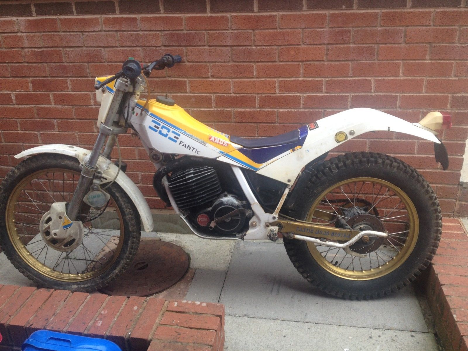 fantic 303 trials bike air cooled mono | eBay I love this