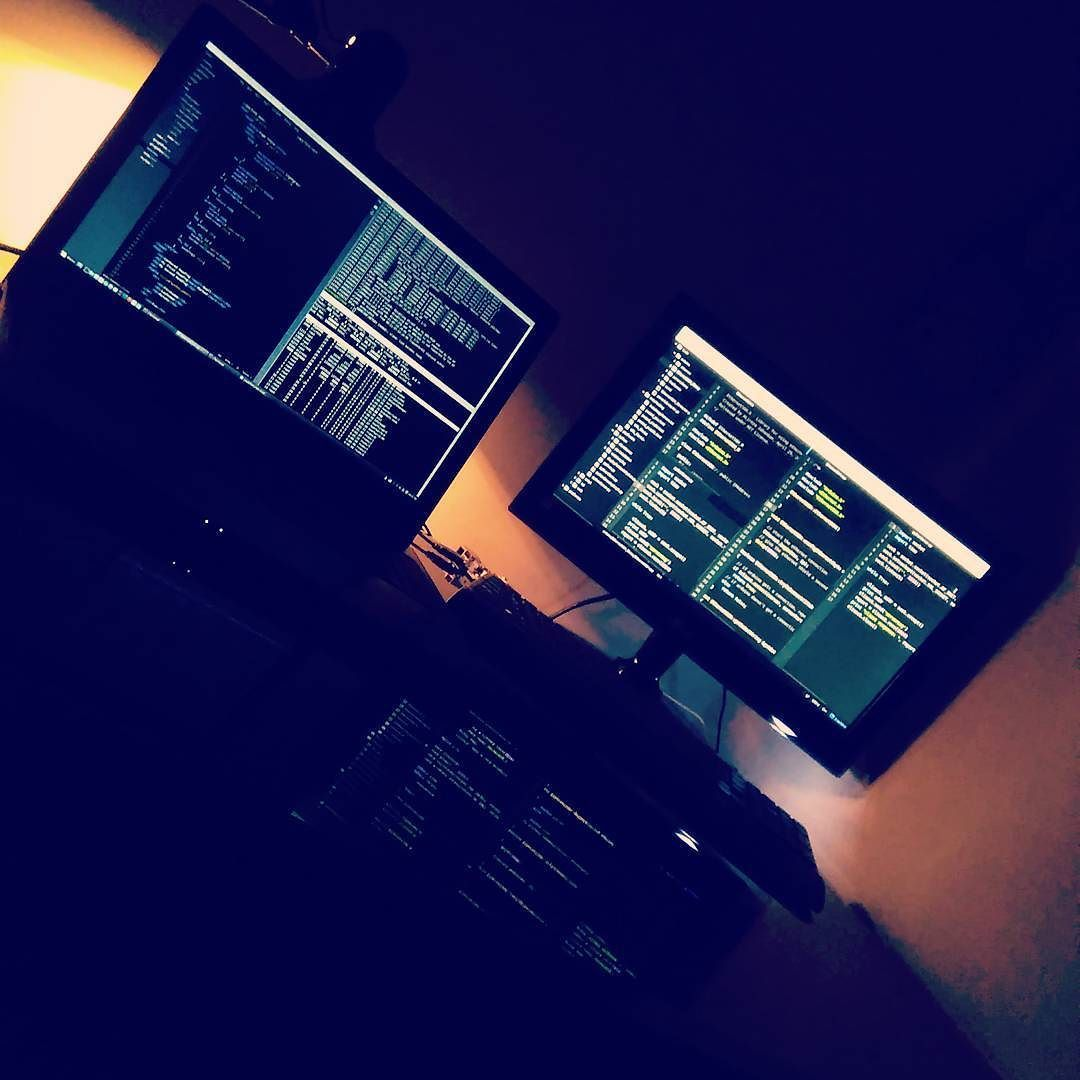 My new workstation and first coding on it at night :) #atom