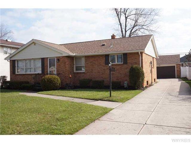 137 Donna Lea Blvd, Amherst, NY 14221