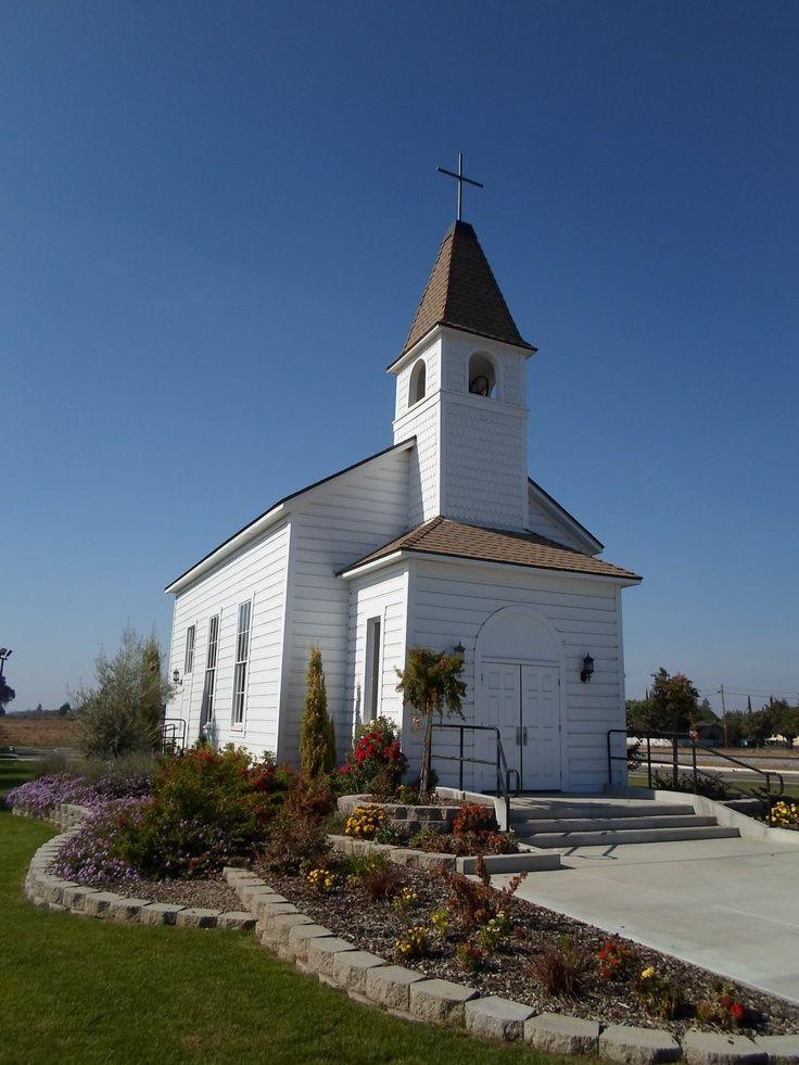 Old Country Church Farmersville California Built In The 1880s Old Country Churches Church Steeple Country Church