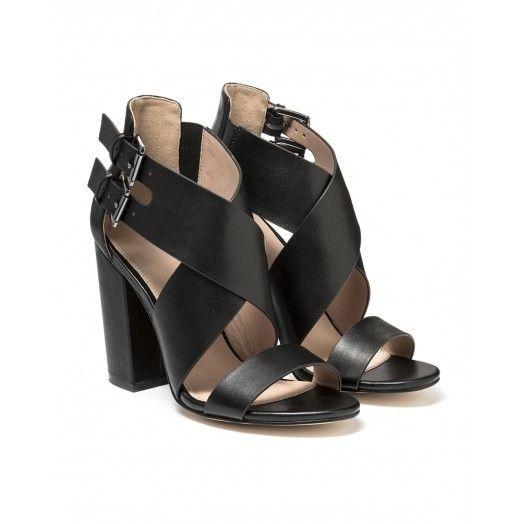 kreuzriemen sandalen absatz 8 cm ideal f r einen glamour. Black Bedroom Furniture Sets. Home Design Ideas