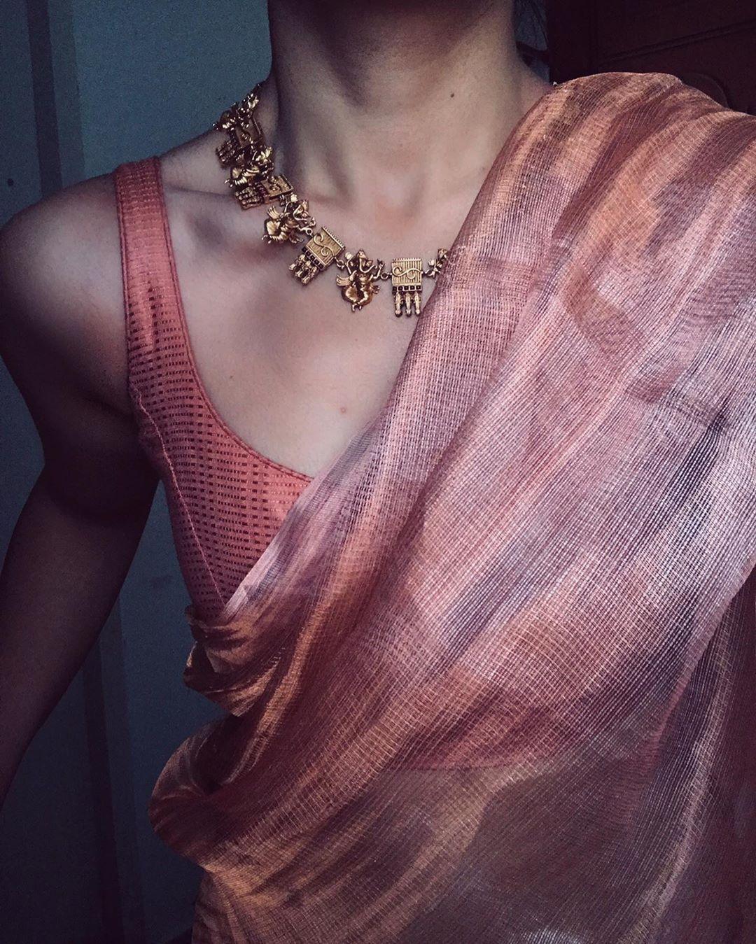 "Photo of Margazhii ™ on Instagram: ""Sari: #styling #notforsale | Jwellery @pradejewels"""