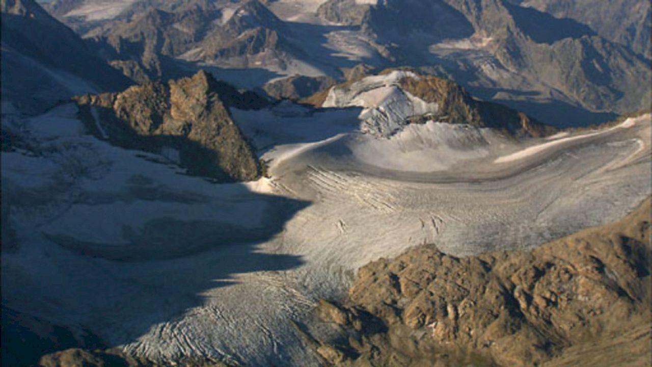 أين تقع جبال القوقاز Natural Landmarks Landmarks Mountains