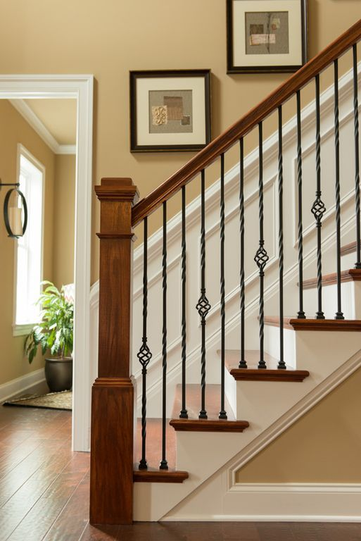 Best View This Great Craftsman Staircase With Wainscoting 400 x 300