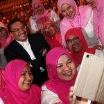 Umno Women Rushed to Putrajaya Hospital with 'Hisham-Fever'