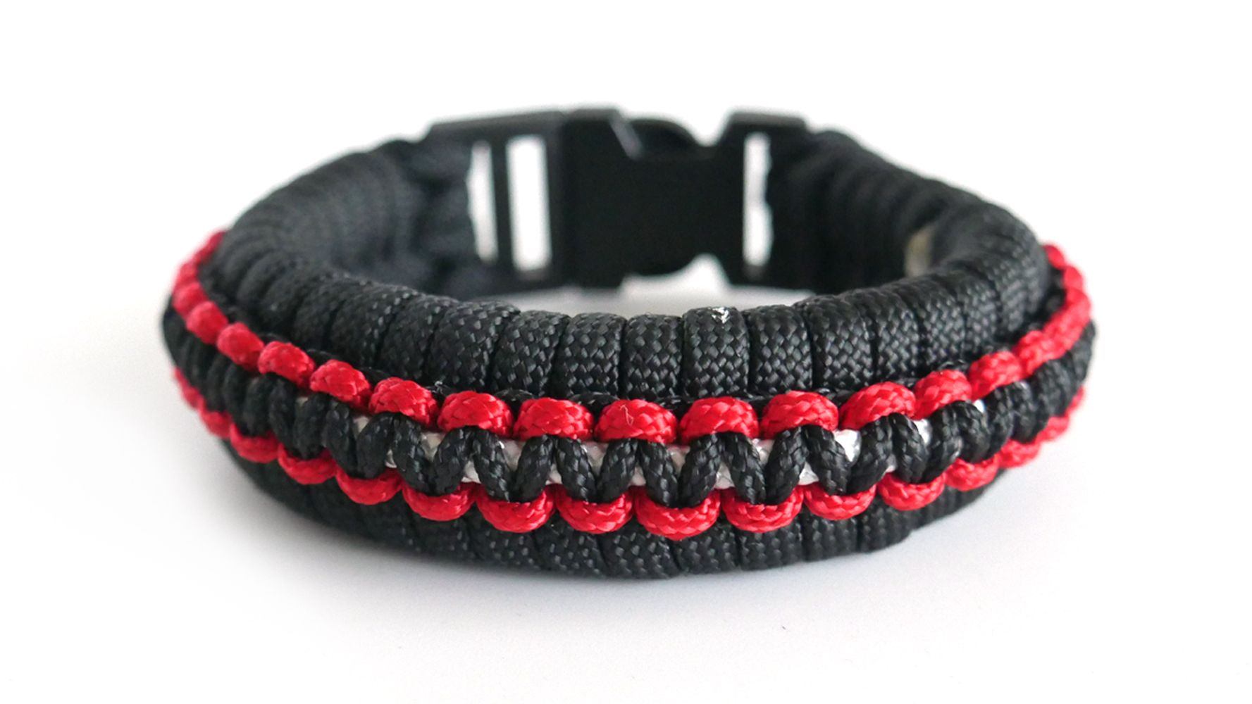 How To Make The Fishtail Cobra Knot Accent Paracord Bracelet