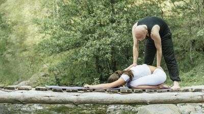 how to give a great savasana adjustment  yoga teaching