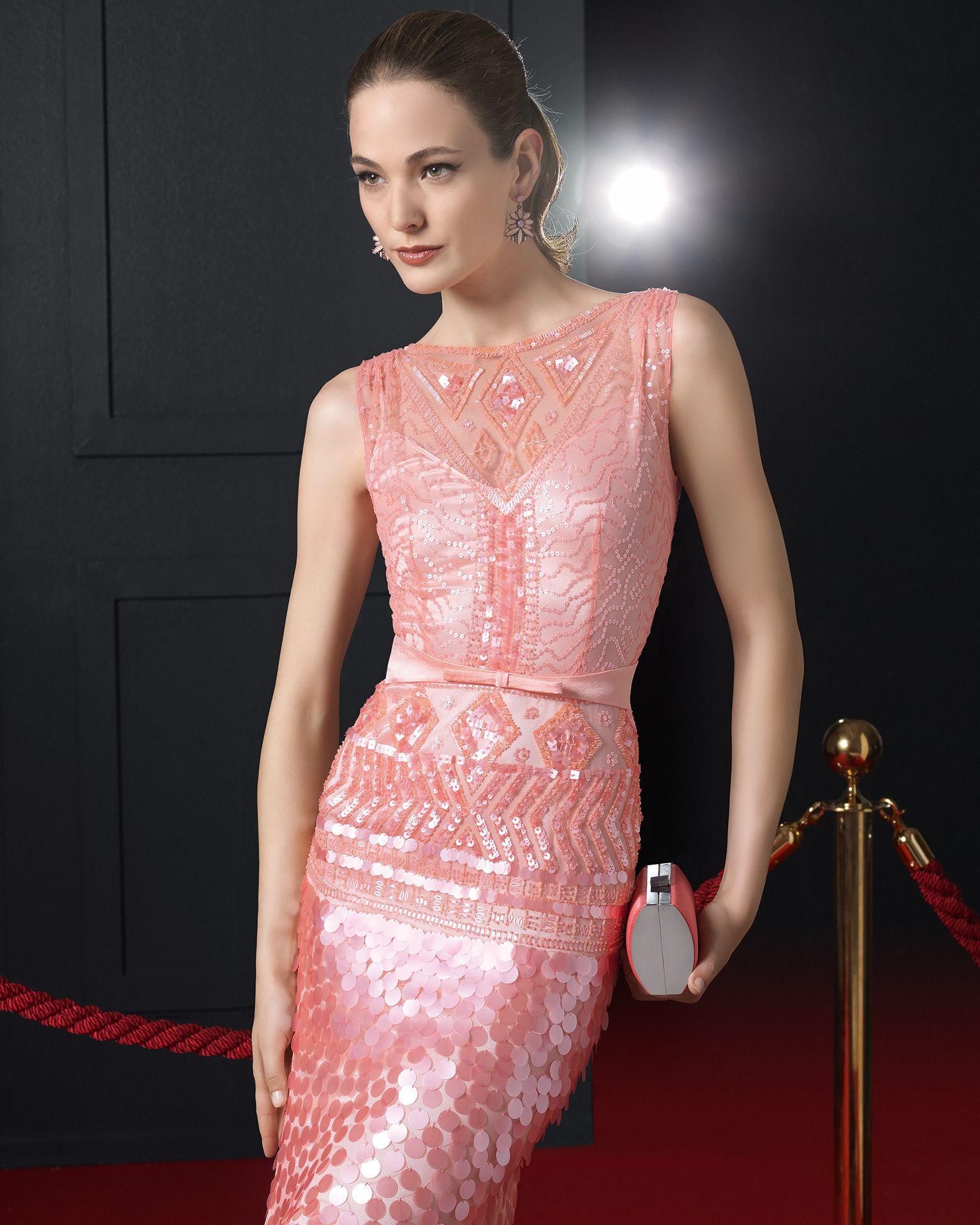 Vestido y chal de pedrería rosa clara Trajes de novia y noche - www ...