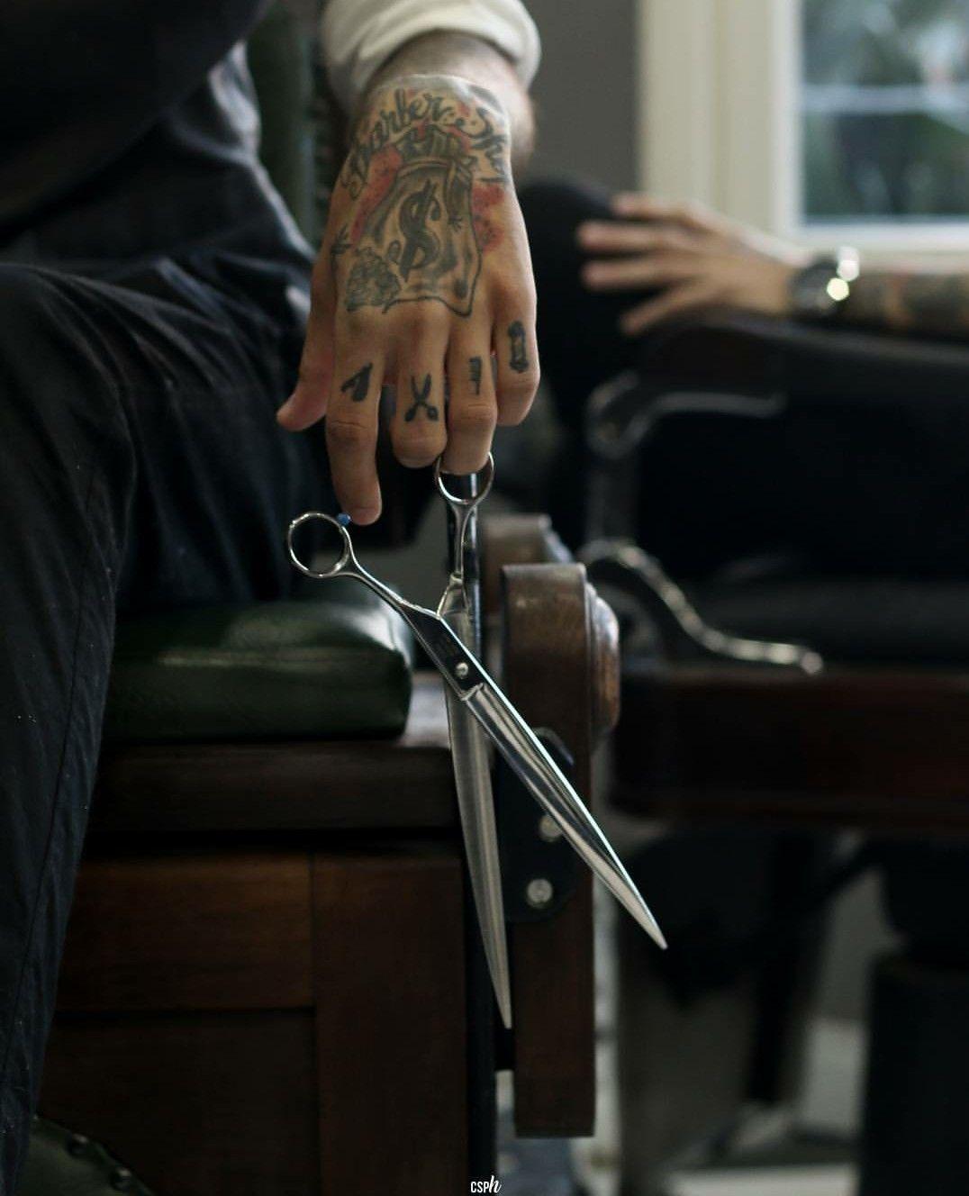 The sicessor hands #barbershop