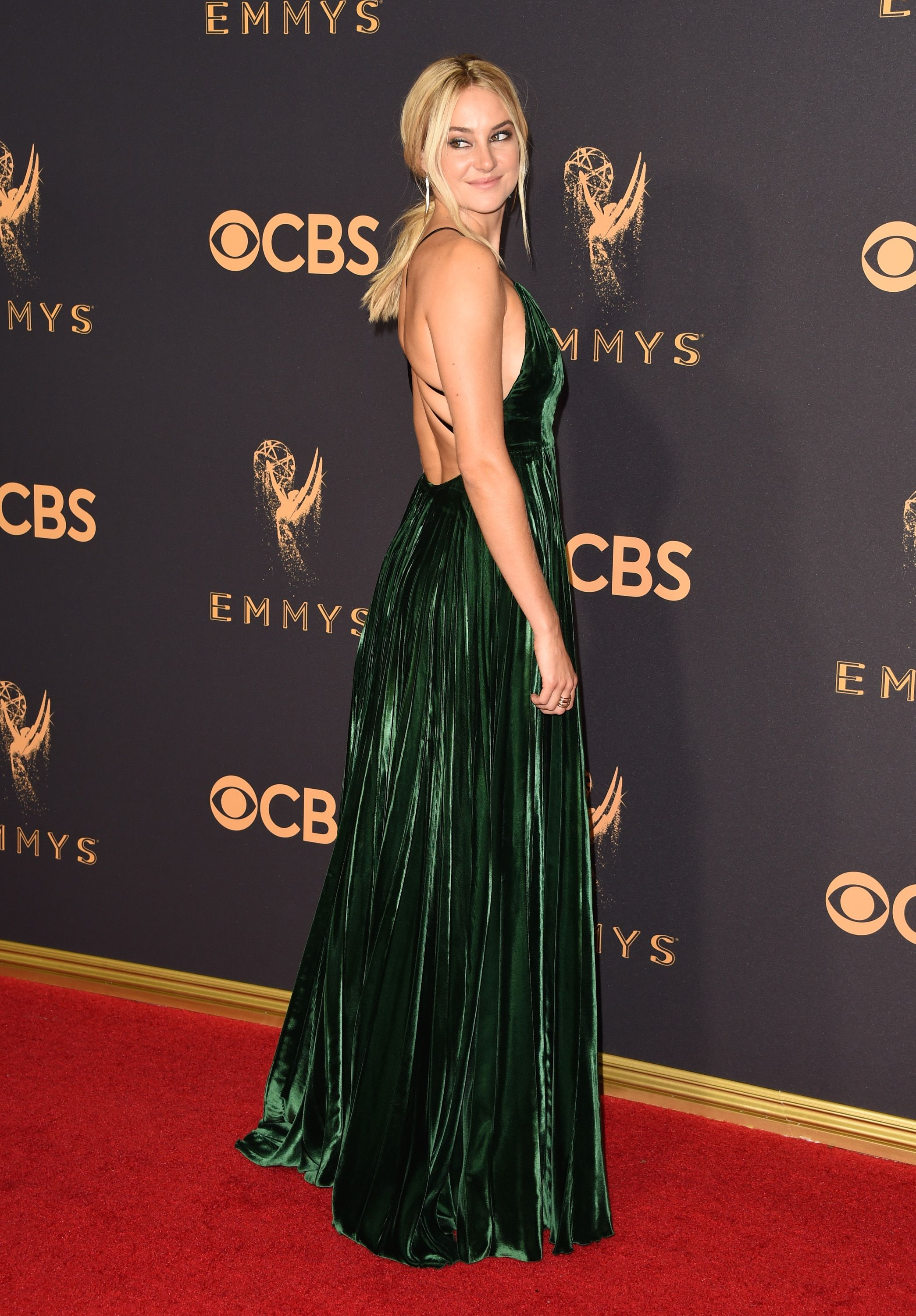 Every Celebrity Look from the 2017 Emmys Red Carpet